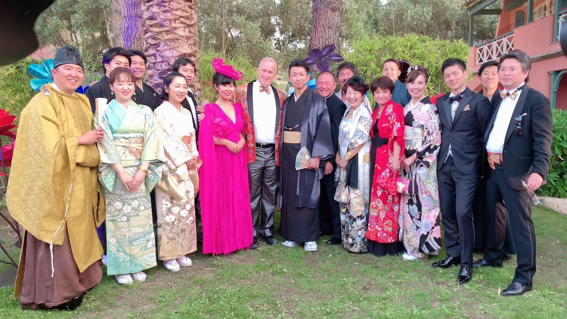 HIME代表の坂東康子と仲間たち